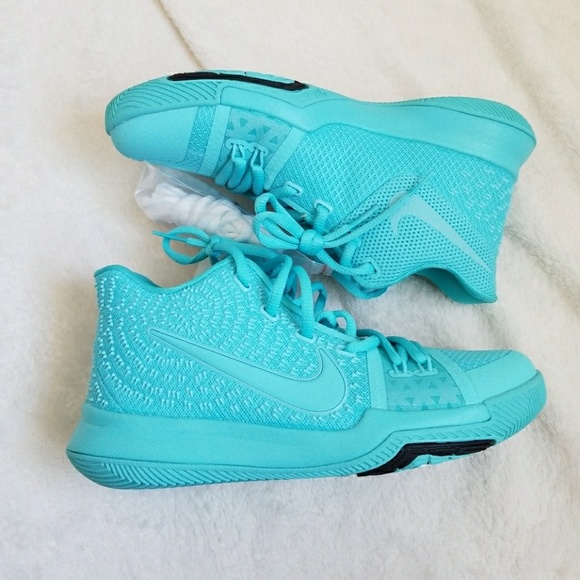 finest selection 82253 650ee NWOB Kyrie 3 Tiffany Blue NWT